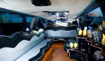 Lincoln Navigator 2 (white) 13 seats full