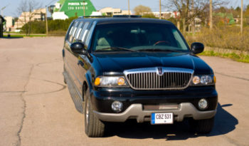 Lincoln Navigator Super Stretch (musta) 17 kohden full